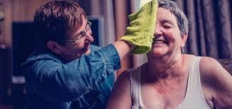 Hoe kun je iemand met hersenletsel ondersteunen én goed voor jezelf zorgen